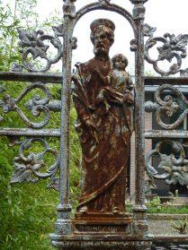 Frans gietijzeren kruis -fragment