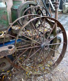 Franse ijzeren karrenwielen