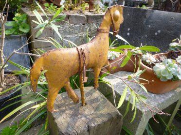 ijzeren decoratie paardje