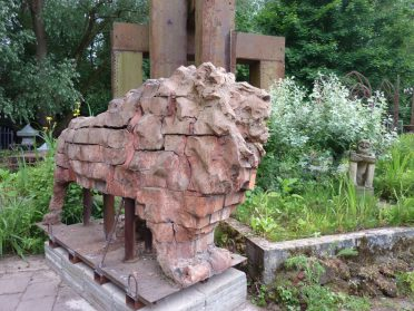 Ronald de Winter- stenen leeuw - Belgie