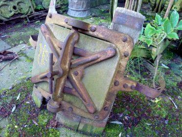 Antieke Miele wasmachine deur