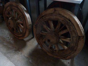 Portugese houten karrenwielen ( 1 x verkocht )
