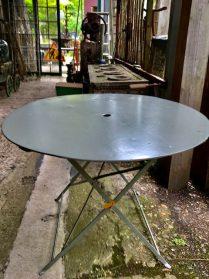 Franse ronde ijzeren klaptafel
