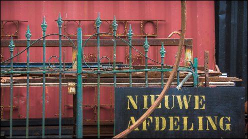 Het nieuwe containerhok is klaar EN VOL !!!!