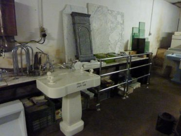 sanitair plateau en design badkamer radiator
