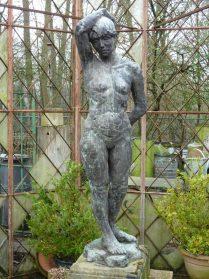 Beeld vrouw van brons 1960 Brussel hoog 1.60