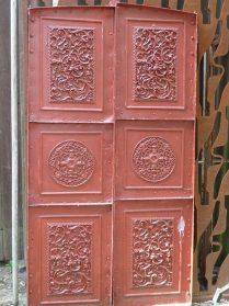 ijzeren deurtjes uit wijnkelder