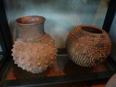 Ghanese aardenwerk potten 30/40 cm. hoog