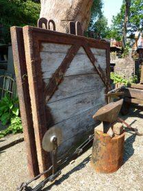 oude sluisdeuren-hout/ijzer