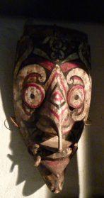 Dajak masker 30 cm.