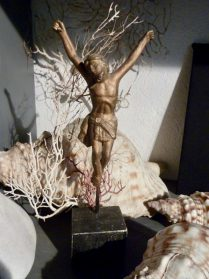 Corpus  hout 20 cm.