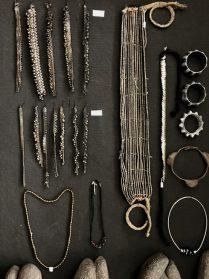 Indiase en Afrikaanse enkelbanden en sieraden