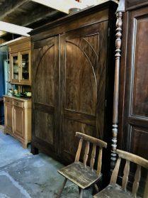 Antieke Bloemmahonie kast