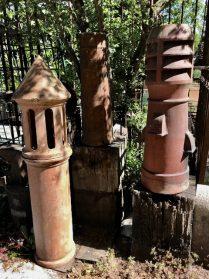Antieke schoorsteenpotten