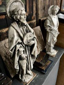 Religieuze beeldjes van gips